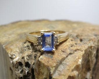 ceylon sapphire 14k gold fashion ring