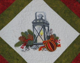 Christmas Lantern Quilted Tablerunner