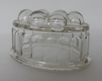 A Vintage Glass Jelly Mould, Good condition.Retro, Shabby chic,farmhouse