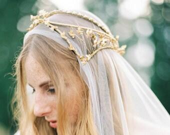 Goldene Braut GAP, Kopfschmuck Hochzeit, Braut Krone mit Mischung aus schönen Perlen Blätter, Vintage inspiriert, goldene Krone, Juliette Stil