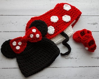 Infant Knitted Minnie Mouse Outfit