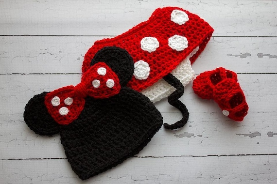 Items similar to Infant Knitted Minnie Mouse Outfit on Etsy