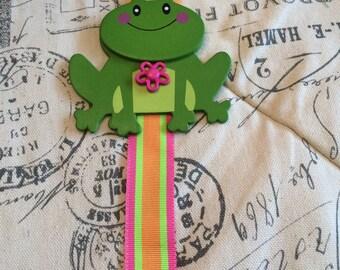 Frog Girls Bow Holder/ girls bow holder/ girls bow organizer/ girls hair clip holder/ girls hair clip organizer/ hair bow keeper