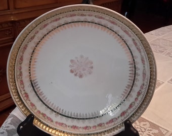 Vintage round serving bowl with 3 feet