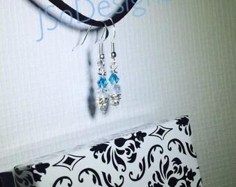 Beautiful Swarovski Elements Dangle earrings