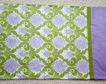 One pair handmade standard size pillowcases/lavender floral pillowcases/cotton pillowcases/lavender and green print/ready to ship