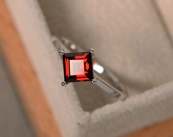 Garnet ring, square cut, silver, solitaire ring, January birthstone,