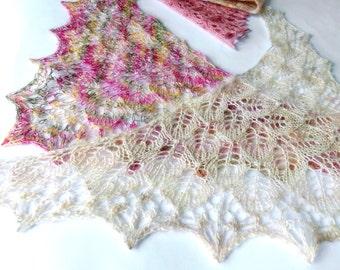 Mini Lace Doll Shawl. Miniature Shawl. Dollhouse Miniature Shawl. Knitted Shawl for Doll. Waldorf Doll. Mini Lace Knit Shawl