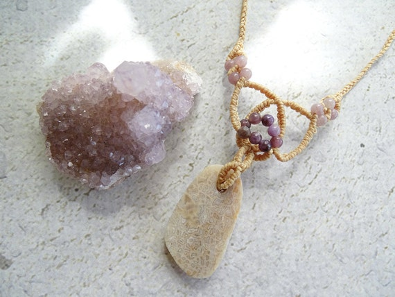 Fossil Dinosaur Bone with Lepidolite & Clear Quartz Macrame Necklace,Bohemian,Hippie,Gypsy,Healing Stone,Gift Idea,恐竜化石,マクラメネックレス,ボヘミアン,天然石