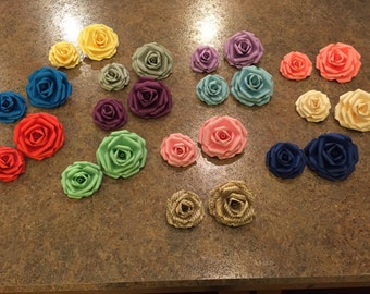 A {Set of 12} Colored paper roses, paper roses, paper flowers, wedding flowers, book page flowers, Valentine's Day, gift, birthday