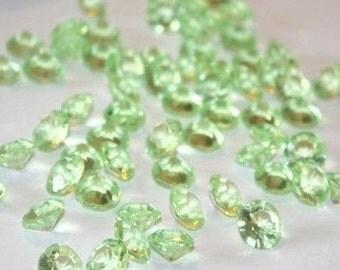 Wedding Table Scatters LIGHT GREEN Acrylic Diamonds - 250 pieces, 10mm / 4 carat - Confetti Decor Wedding Party Centerpiece (TDK-W1003)