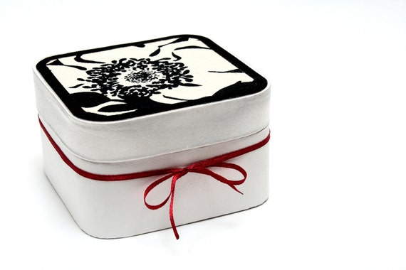 gift boxes gift boxes with lids keepsake box jewelry box. Black Bedroom Furniture Sets. Home Design Ideas