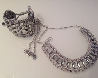 Parure necklace and bracelet made with pop tabs from cans tabs