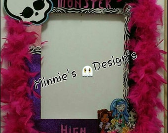 Monster high photo booth,Monster high birthday,Monster high tutu,Monster high invites,Monster high cupcakes,Monster high hair bow ,Monster