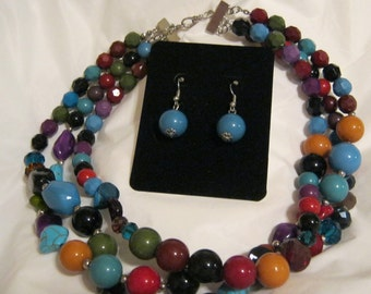 Necklace multi colored beads set