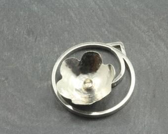 Flower pendant (small)