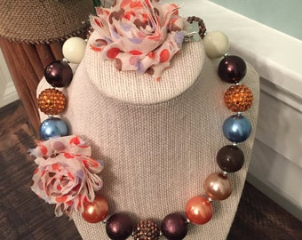 Child sized chunky necklace and hair clip