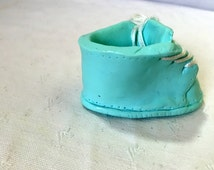 Mini slipper green baby in fimo makes hand - miniature - minis tennis shoe -minis converse -limps has dragee-gift godmother-limps with tooth