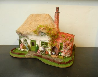 1:48 Thatched Cottage