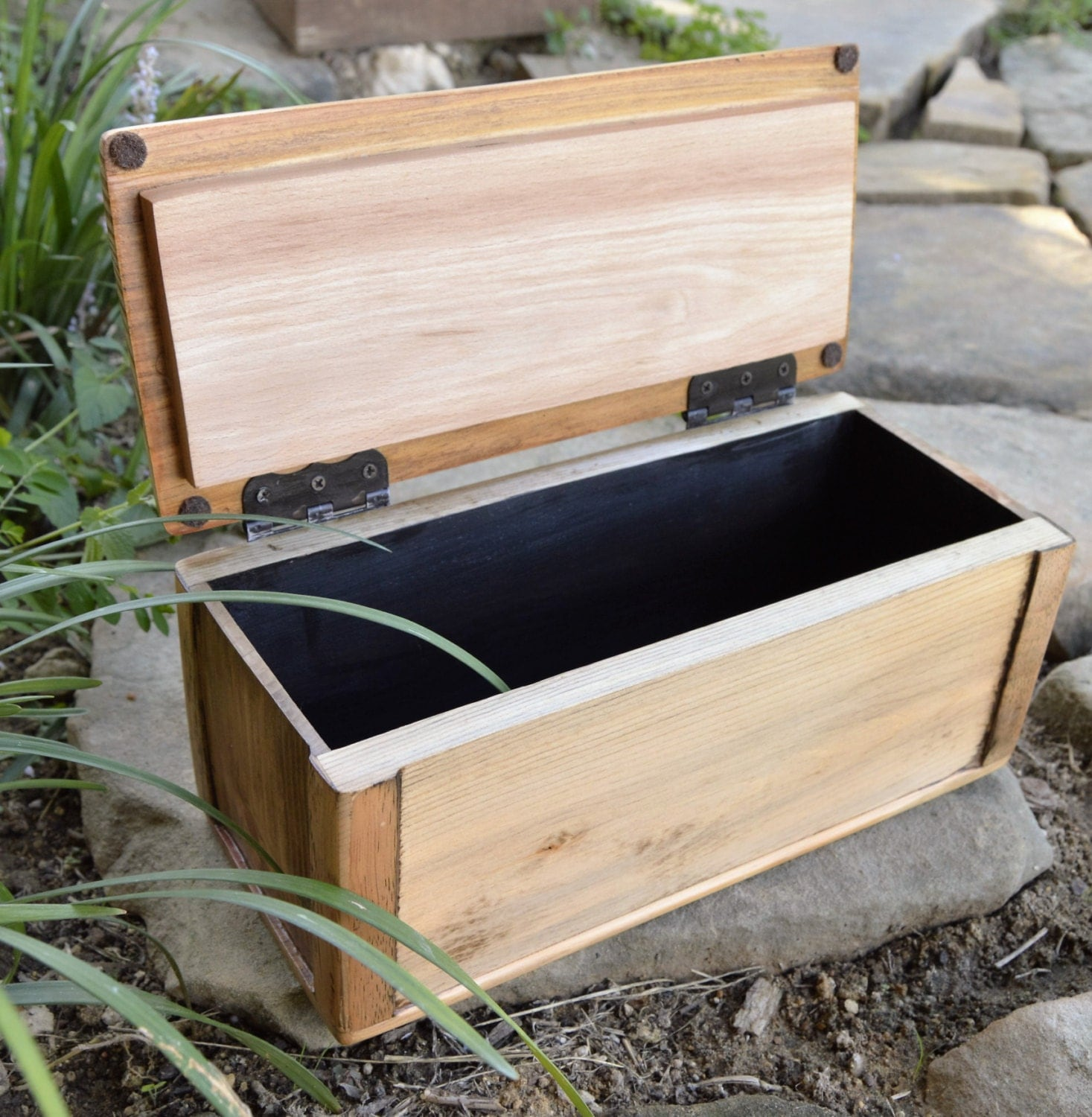wood box with lid handmade wooden box rustic wooden. Black Bedroom Furniture Sets. Home Design Ideas