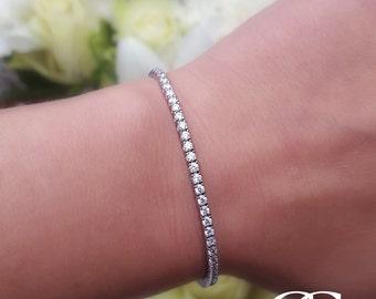 "Delicate Ladies Fine 9ct White Gold & Cubic Zirconia Tennis Bracelet 7.5"""