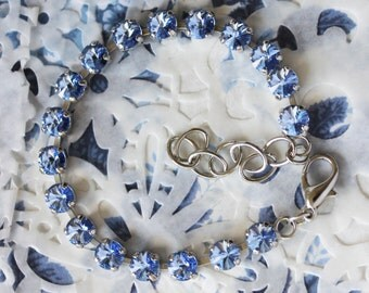 Light sapphire Swarovski bracelet