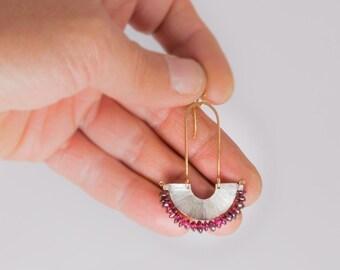 Garnet fan silver earrings - Stelring silver