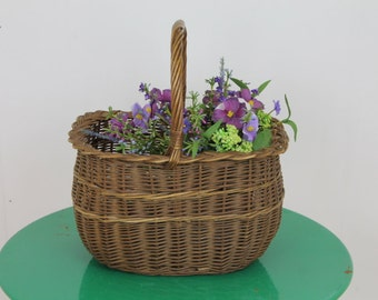 Vintage 1950's Wicker Basket(1)/Shopping Basket/Vintage Basket/Straw Basket/Basket Storage/Decorative BasketDimensions
