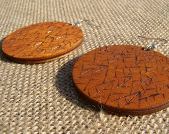 wooden earrings, wood earrings, hoop earrings, woodburned earrings, leaves earrings, pyrography earrings, fall earrings, autumn earrings