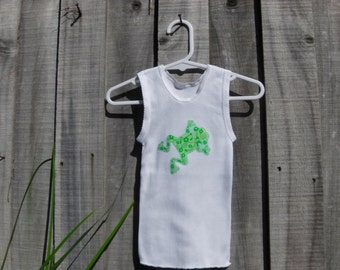 Hand appliqued froggy baby singlet