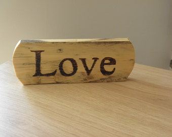 Love Sign / Plaque Free Standing