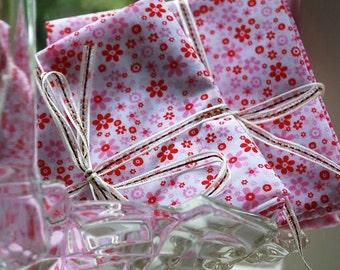 Fat Quarter Bundle - Pinks - Five Quarters - Poly Cotton - Patchwork, Floral - Sewing Projects, Craft, Quilting - UK Seller