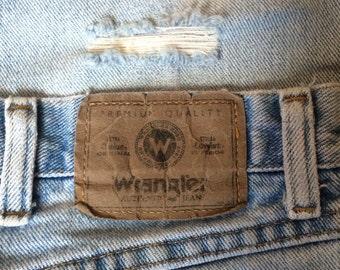 Distressed Wrangler Jeans 36x30