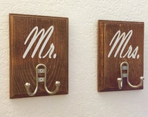 Mr. And Mrs. Wooden Towel holder, Towel Rack, Coat hanger, Coat Rack, Wedding Gift, Personalized,