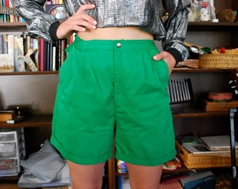 Vintage High-waisted Kelly Green Shorts