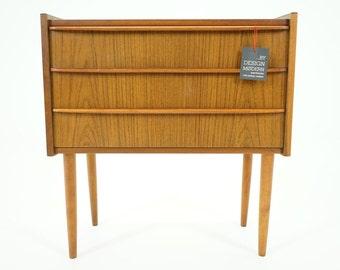 305-141 SALE! Danish Mid Century Modern Teak Nightstand Bedside Table Cabinet