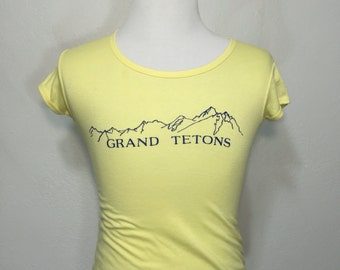 70's vintage grand tetons scoop neck t-shirt womens size small