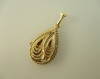14K Yellow Gold Tear Drop Filligree Locket Style Pendant