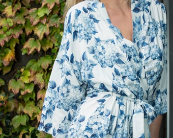 Bridesmaid Robes / Floral Robes / getting ready robes / Bridal Party Robes/ Kimono / Wedding robes