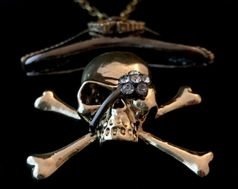 pirate skull and crosssbones large pendant, costume jewelry