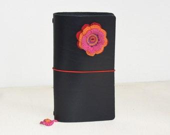 RG XL Traveler's notebook black with a crochet flower red orange pink - midori like- fauxdori