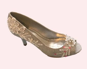 Wedding shoes silver metallic peep toe high heels bridal shoes embellished with floral ivory Venice lace