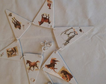 wooden horse bunting