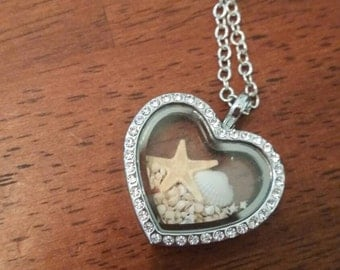 Star sand locket