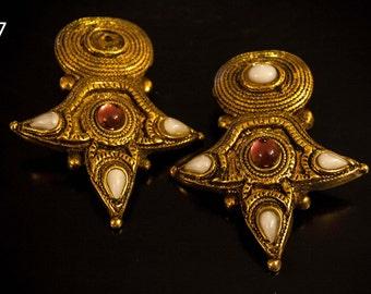 Clips earrings  Claude Montana for Marie Paris Haute Couture vintage