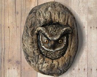 Wall hanging. Paper mache owl
