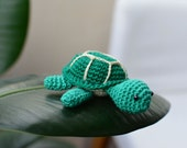 Plush turtle, crochet turtle toy, small turtle, tiny turtle, amigurumi green gift, kawaii animal, cute little turtle, collectible turtle