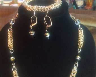 Chainmaille necklace, bracelet and earrings