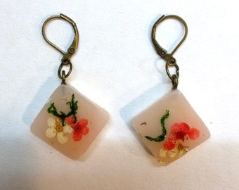 Real flower earrings - plant resin - Floral earrings - real plant - flower jewelry - petal jewelry - earrings botanical - floral earrings
