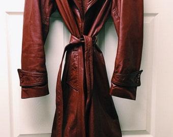 VINTAGE Burnt Red Leather Trenchcoat